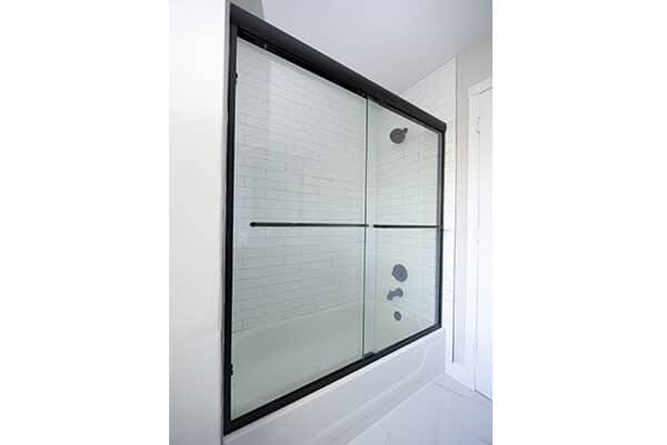 玻璃淋浴门,带毛巾架